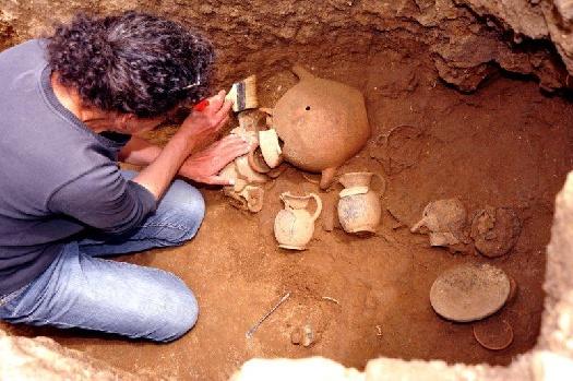 https://www.coopzoe.it/images/Gallery/ancora-tesori-etruschi-dagli-scavi-al-parco-di-vulci_30815.jpg